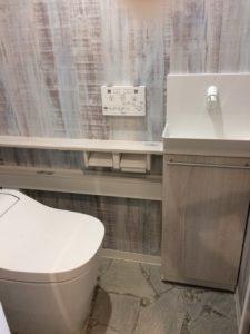 トイレ AFTER 手洗いを別にしスタイリッシュなトイレに